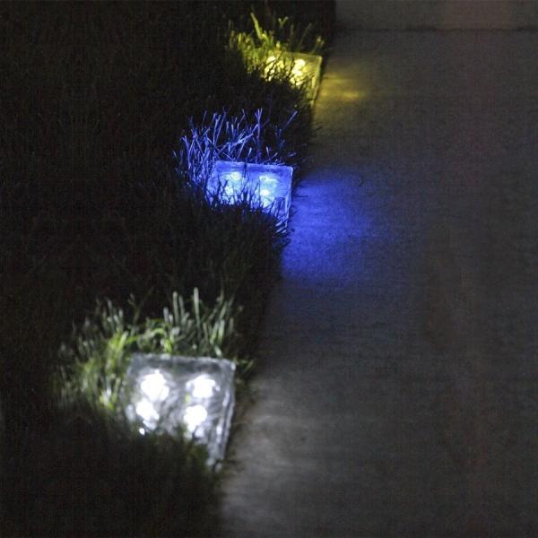 Кирпичи которые светятся и украшают внутрений дворик