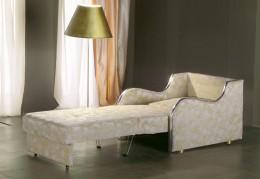 Кресло-кровать с ящиком для белья: спальное место и мини-шкафчик