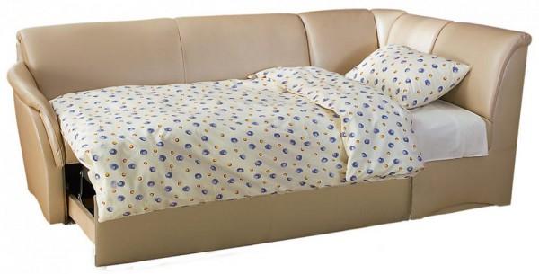 узкий диван со спальным местом