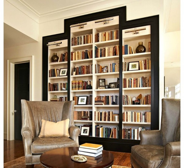 Фото встроенного книжного шкафа