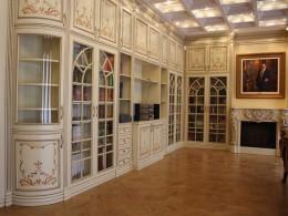 Все особенности и рекомендации по выбору качественного книжного шкафа из дерева и подобных материалов