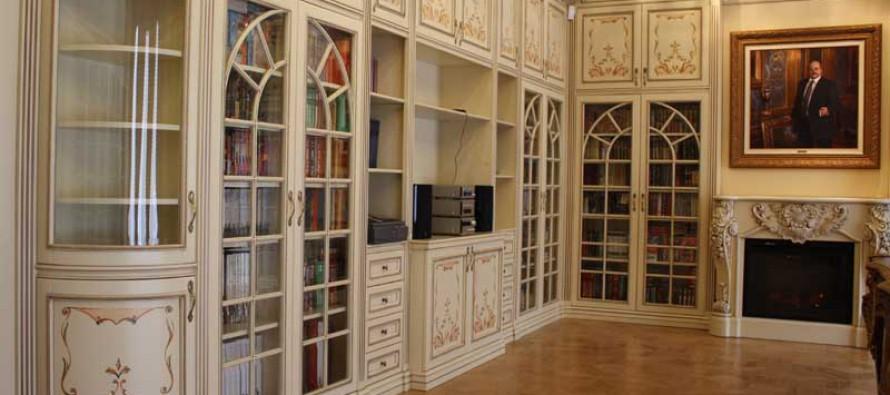 Книжные шкафы из массива дерева дуба