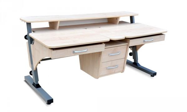 Компьютерный стол цвета клена