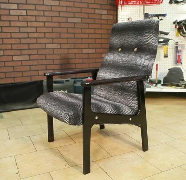 Современное мягкое кресло своими руками