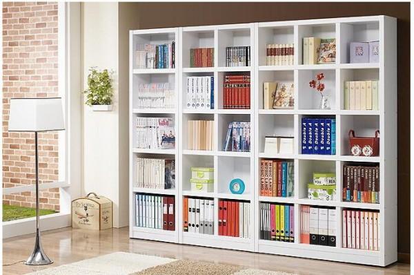 белый книжный шкаф