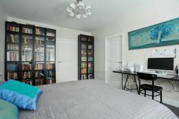 Обзор популярных книжных шкафов для дома из каталогов ИКЕА