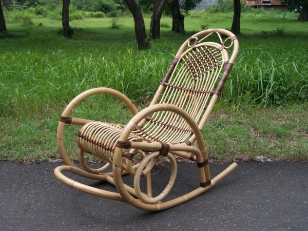 кресло качалка своими руками из ротанга