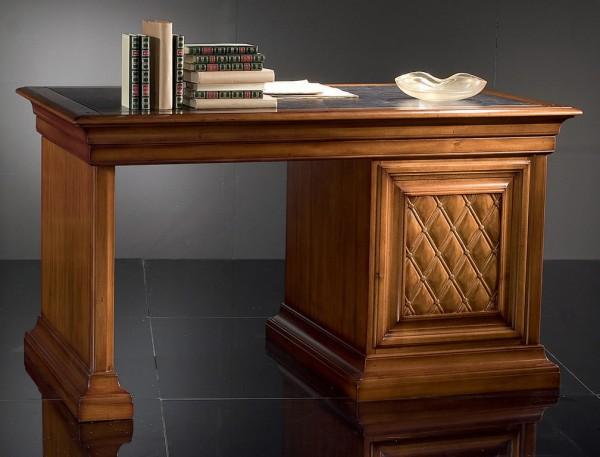 однотумбовый письменный стол из массива