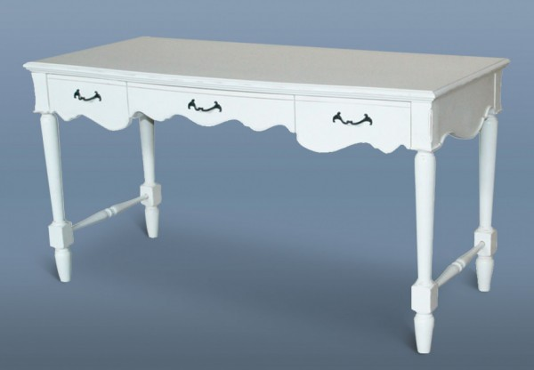 письменные столы с тремя ящиками