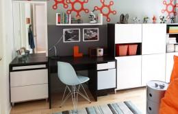 Письменный стол с надстройкой или полками: идеальная замена рабочему кабинету