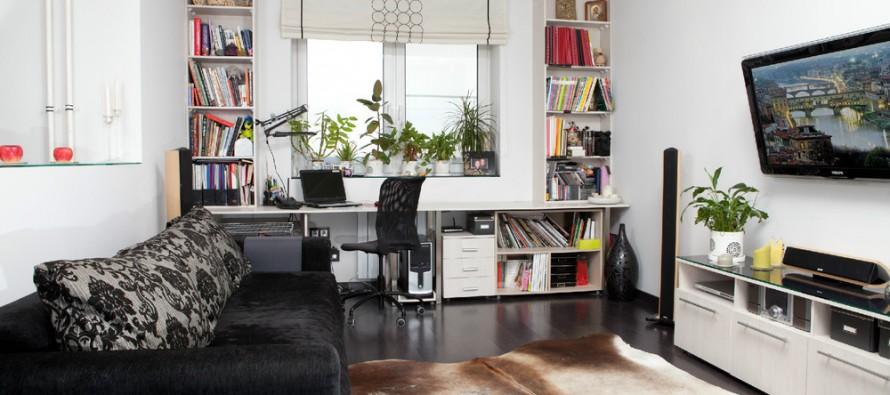 стол письменный белый лакированный