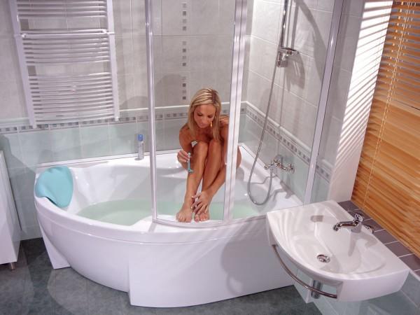Акриловая угловая асимметричная ванная
