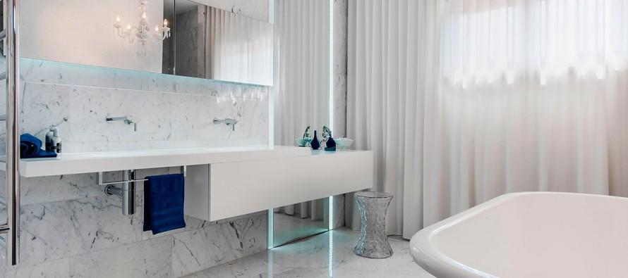 Фото встроенной в столешницу раковины для ванной комнаты