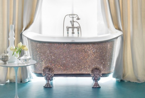 Самая дорогая ванна в мире (из цельного куска хрусталя)