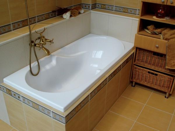 акриловые ванны в кафеле