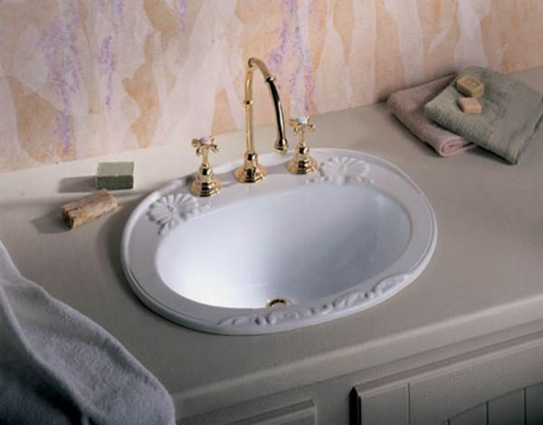 установка раковины с тумбой в ванне
